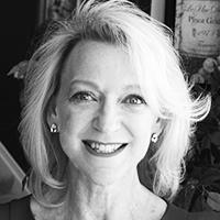 Linda Robinson Head shot 1-2018 B&W.jpg